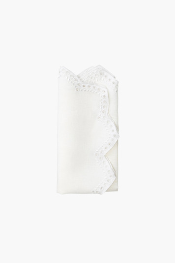 set of 4 white eyelet tapestry napkins