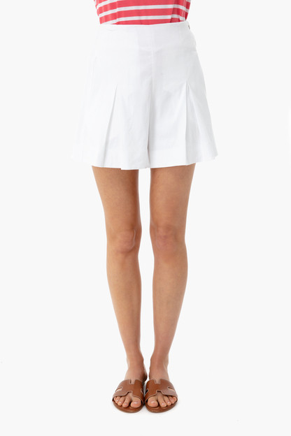 optic white pleat front short