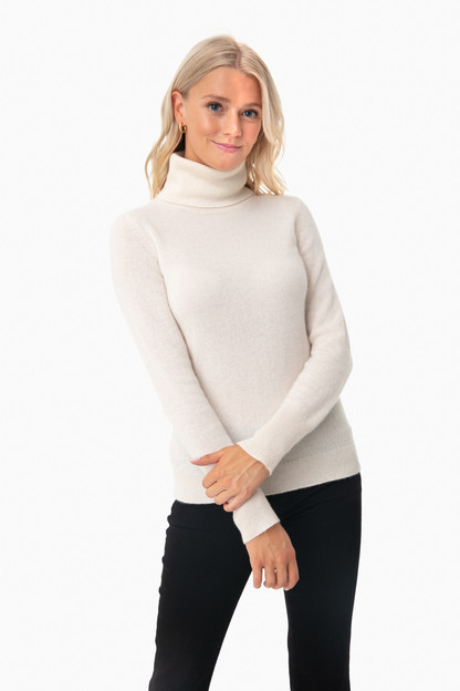 Pearl White Essential Cashmere Turtleneck Sweater