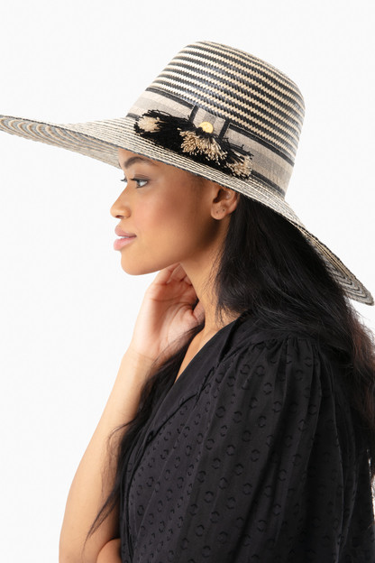 natural/black solana hat