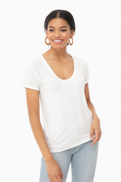 white top deep u-neck tee