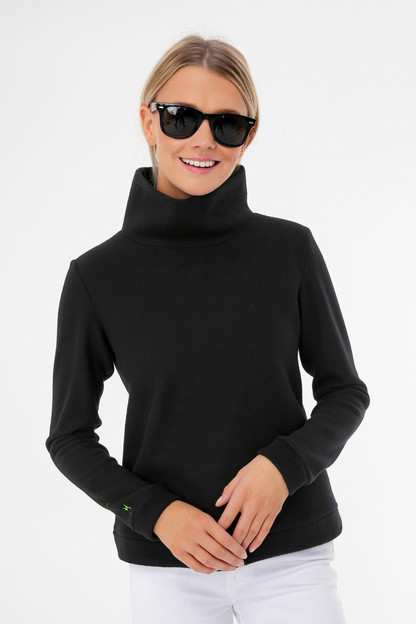Black Park Slope Turtleneck