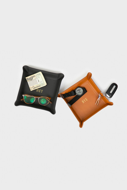 black medium leather catchall