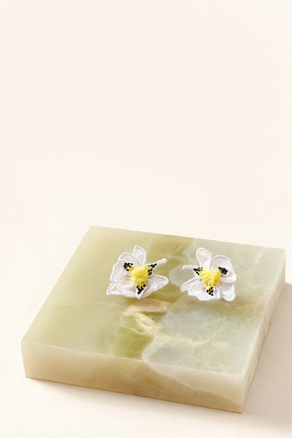 white orchid stud