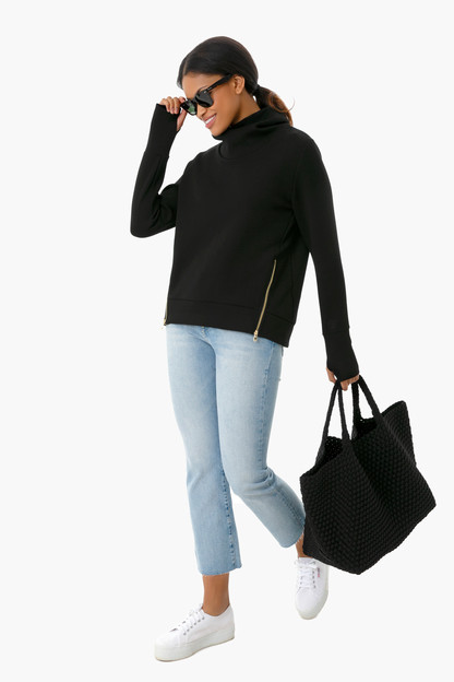 black everyday pullover