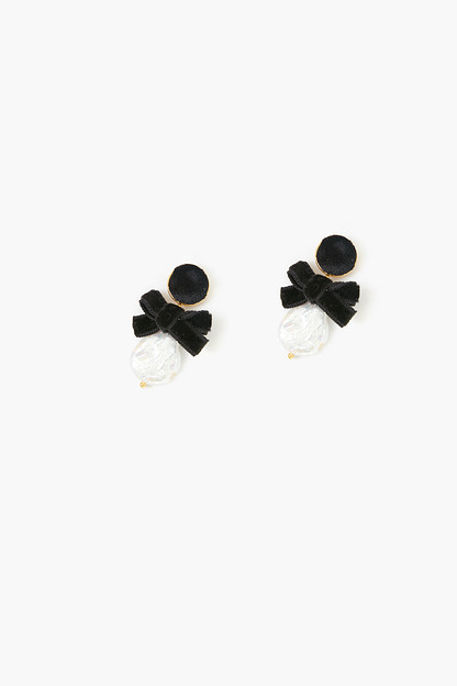 pearl luna bow earrings